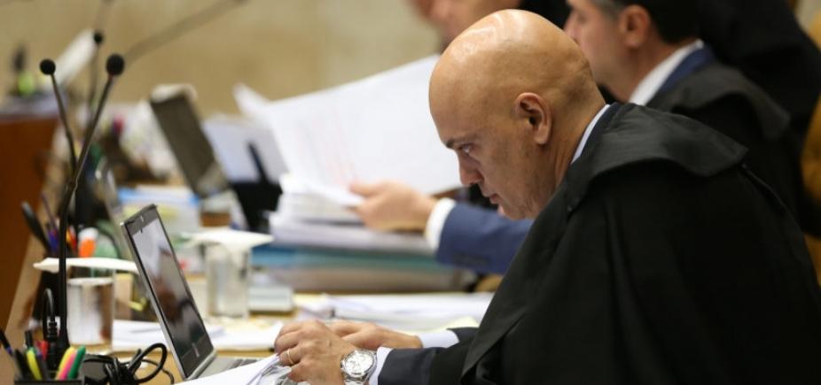 [Ministro do STF ordena que voto no Senado sobre afastamento de Aécio Neves seja aberto]