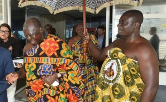 Congresso da Ufba recebe rei da nação Ashanti de Gana; veja programação