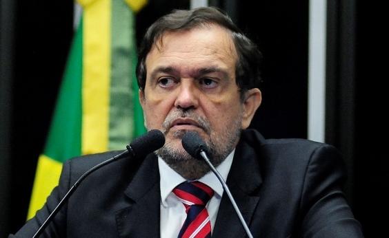 Walter Pinheiro pede exoneração da Secretaria da Educação para votar no Senado