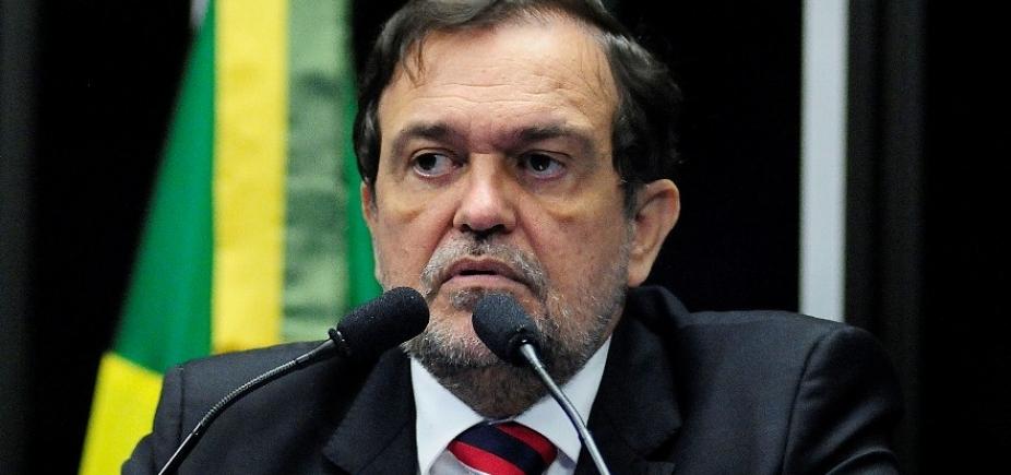 [Walter Pinheiro pede exoneração da Secretaria da Educação para votar no Senado]