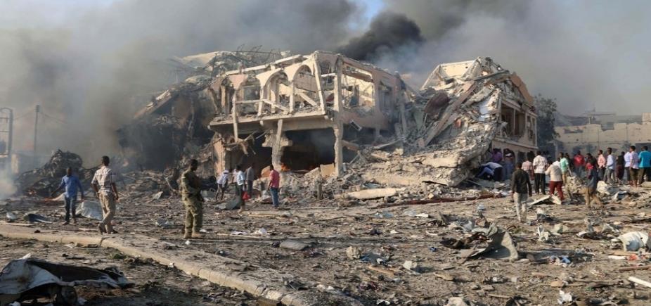 [Manifestantes vão às ruas da Somália em protesto aataque que deixou 302 mortos no país]