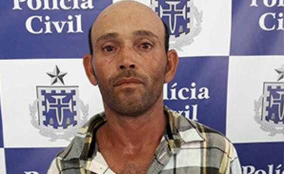 Homem é preso após esfaquear mulher por usar short curto em Paulo Afonso