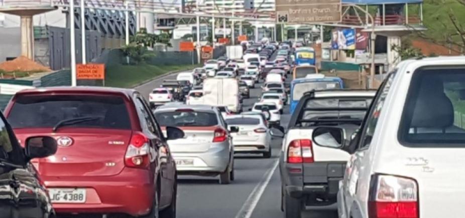 [Congestionamento nas principais vias apenas devido ao fluxo do horário]