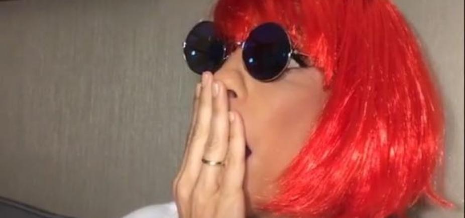 [A pedido de Lulu Santos, Ivete coloca peruca ruiva e se fantasia de Rita Lee; veja fotos]