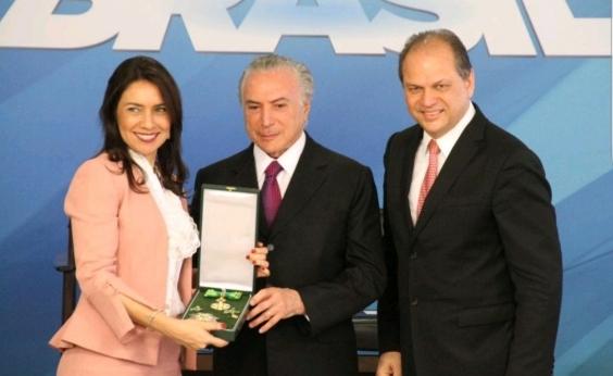 Diretora da Maternidade Climério de Oliveira, Mônica Neri recebe Comenda Maria Quitéria