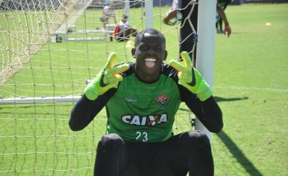 Caíque desabafa após derrota do Vitória: Ano que vem o contrato acaba