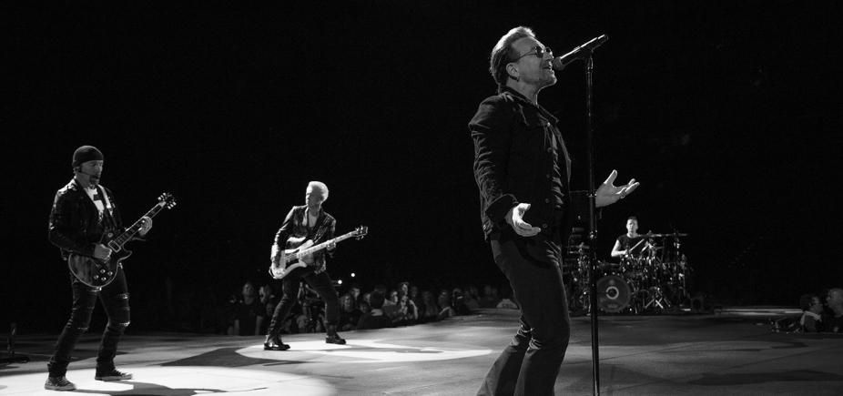 [Irmã Dulce é homenageada em show da banda U2]