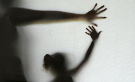 Pediatra, estudante de engenharia e outros seis são presos em operação de combate à pedofilia