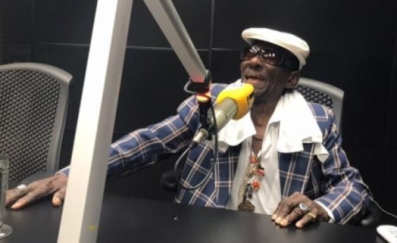 Riachão lembra início da carreira na Rádio Sociedade: Cantei sertanejo