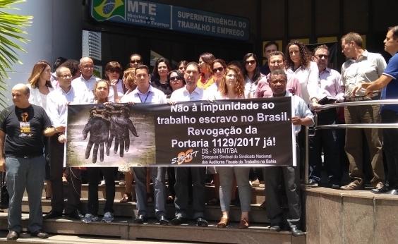 Auditores fiscais do trabalho escravo na Bahia fazem manifestação contra portaria do governo