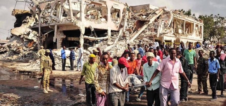 [Número de mortos em maior ataque da história da Somália sobe para 358]