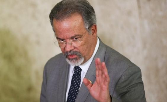 Não existe possibilidade de intervenção militar, garante ministro da Defesa