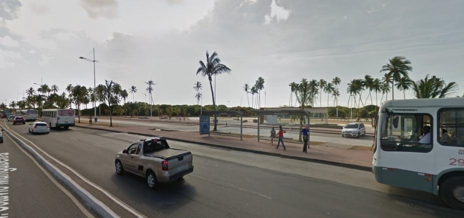 [Acidente envolvendo quatro carros deixa seis pessoas feridas na orla de Salvador]