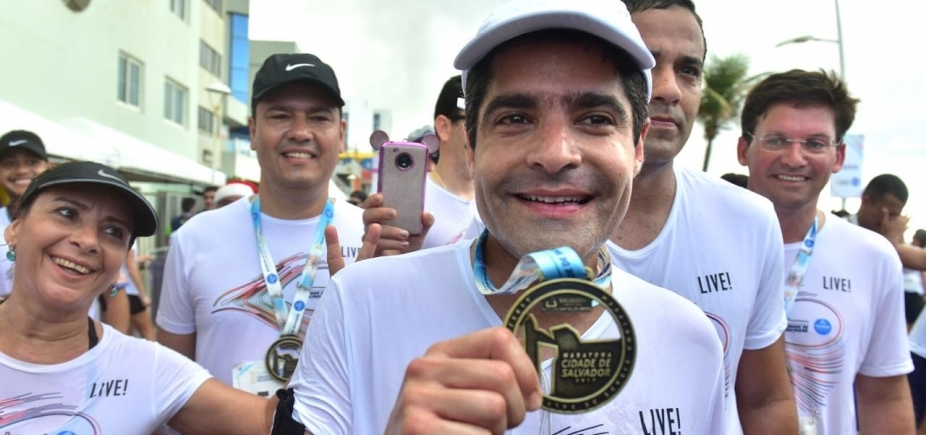 [Prefeito ACM Neto fala após correr 10 km na primeira Maratona Cidade de Salvador]