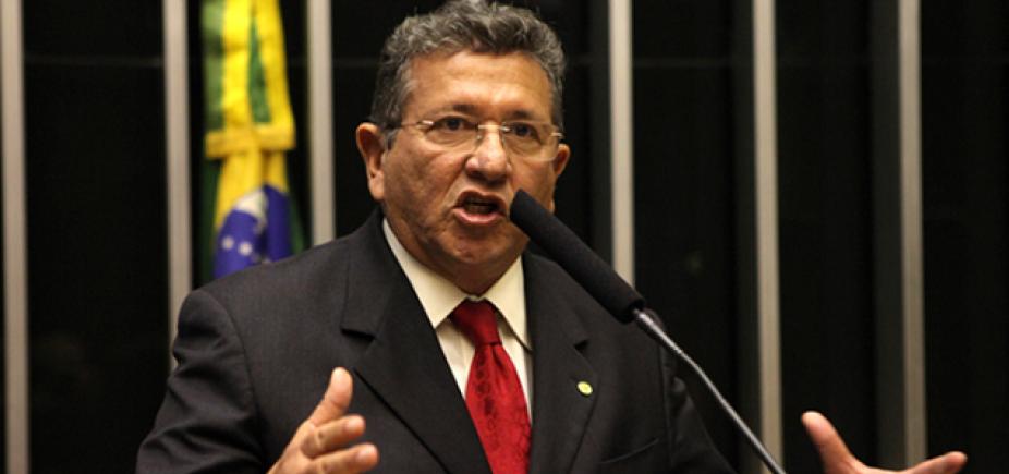 [Luiz Caetano diz que afastamento de Temer é necessário: