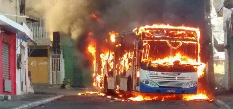 [Ônibus e objetos são queimados na Santa Cruz em protesto a morte de traficante; vídeo]