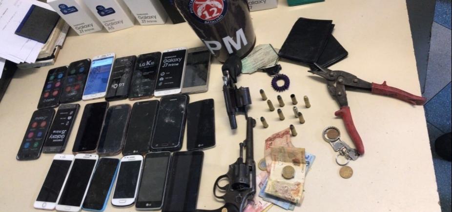 [PM prende três suspeitos e recupera 22 celulares após assalto em shopping de Camaçari]
