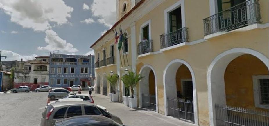 [Prefeitura de Santo Amaro atrasa pagamento a fornecedor e coleta é paralisada na cidade]