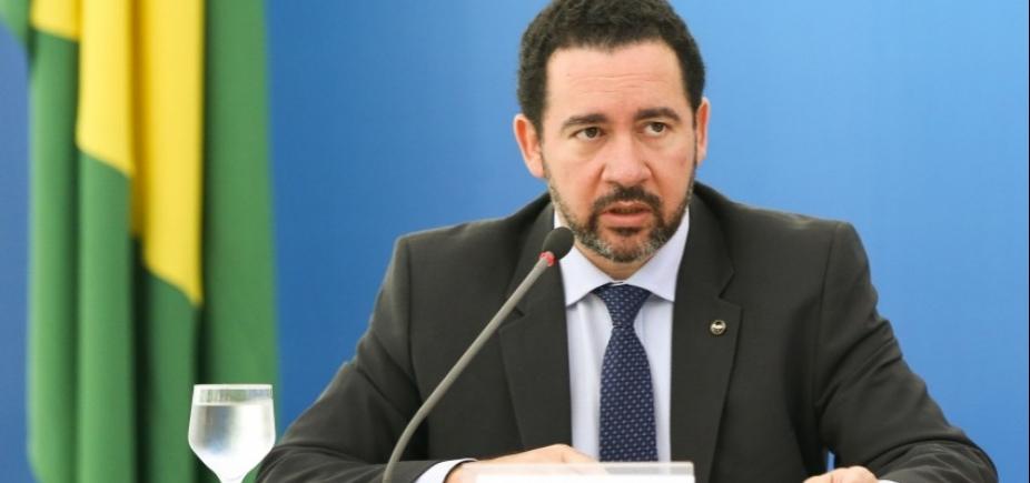 [Contas poderão ser revistas pelo governo para liberar gastos este mês, diz ministro]