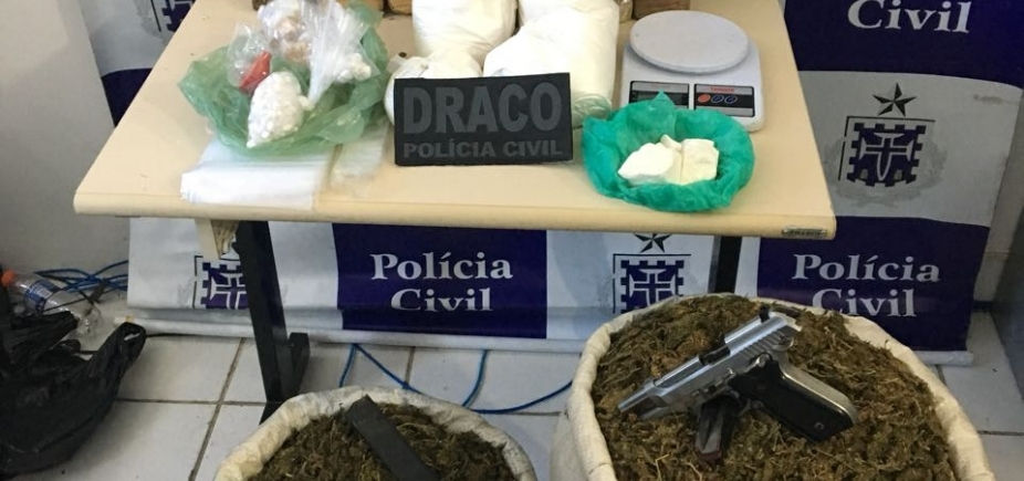 [Suspeito de tráfico é preso com cocaína, crack e maconha na Gamboa, em Salvador]