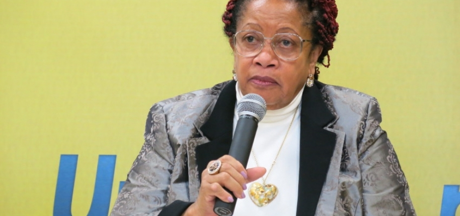 [Ministra dos Direitos Humanos pede salário de R$ 61 mil e compara sua situação a escravidão]