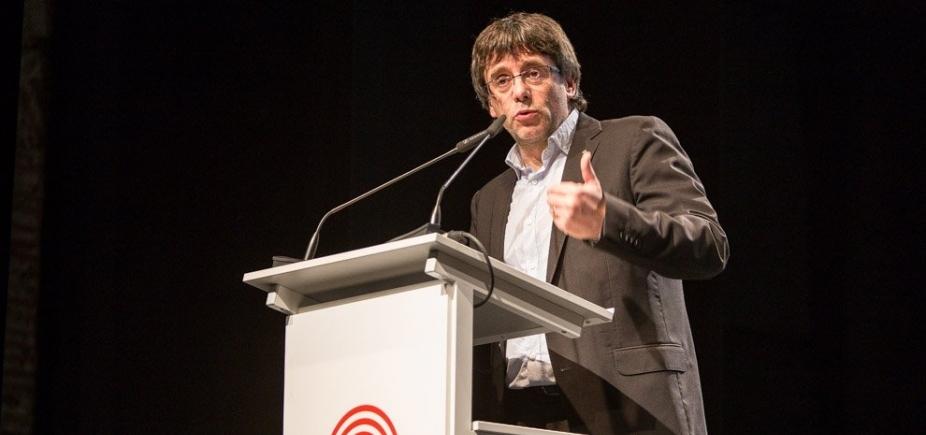 [Justiça da Espanha emite ordem de prisão para presidente destituído da Catalunha]
