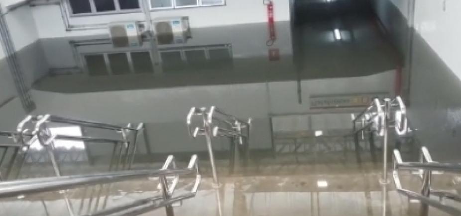 [Após alagamento na Rodoviária, CCR diz que medidas estão sendo adotadas para melhorar o escoamento de água]