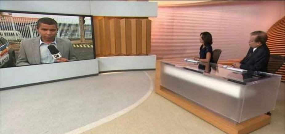[Que vacilo! Ao vivo na Globo, repórter troca