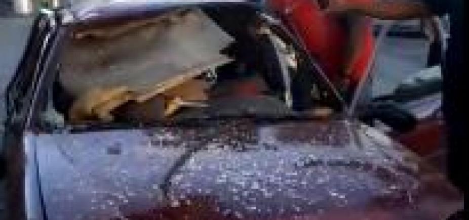 [Carro explode e fica destruído em posto de gasolina de Salvador; veja vídeos]