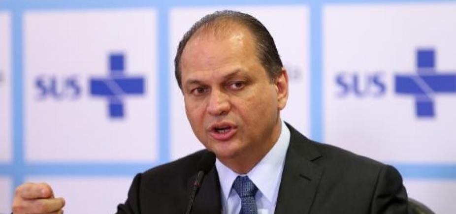 [Ministro da Saúde volta a passar mal e é transferido para hospital, diz jornal ]