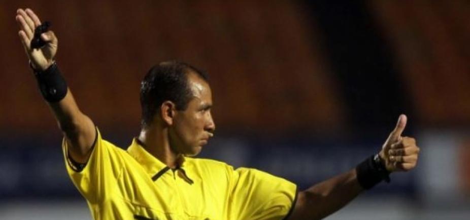 [Marcelo Aparecido de Souza apita jogo entre Grêmio e Vitória ]