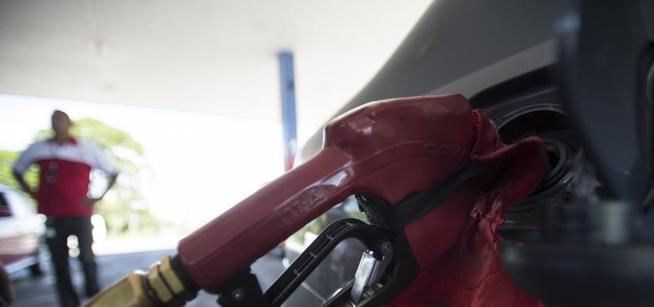 [Preço da gasolina cobrada em postos passa de R$ 3,90 pela primeira vez no Brasil]