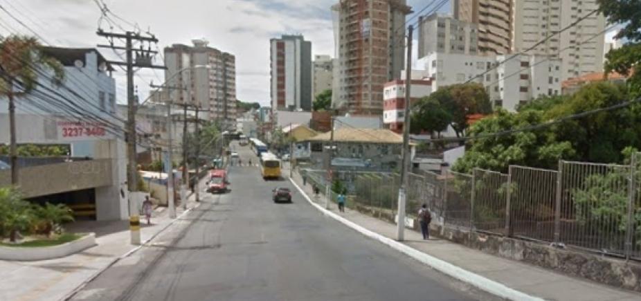 [Recapeamento deixa tráfego lento na Rua Padre Feijó, no Canela; confira trânsito ]