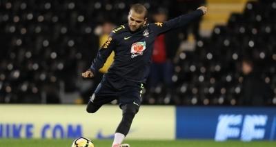 Tite escolhe Daniel Alves como capitão da seleção contra a Inglaterra