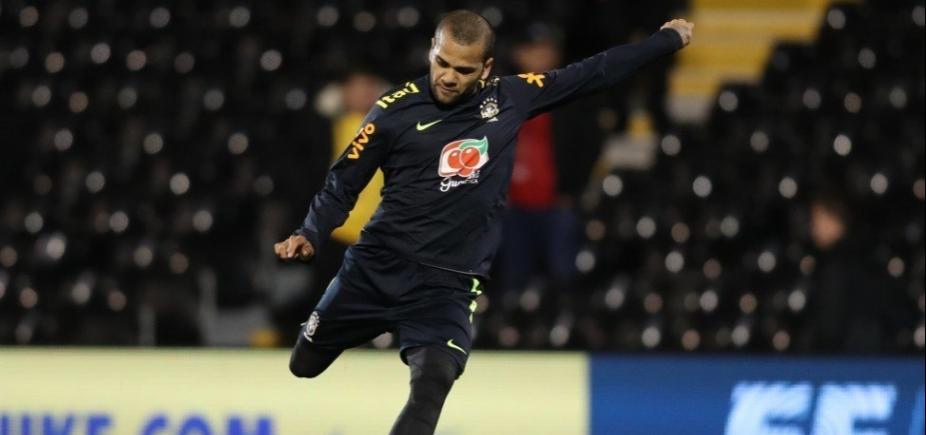 [Tite escolhe Daniel Alves como capitão da seleção contra a Inglaterra]