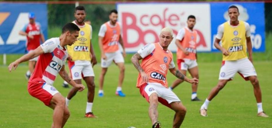 [Com apenas três titulares, Bahia treina para enfrentar o Santos]