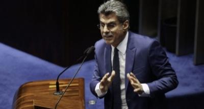 Reforma terá saída de 17 ministros, afirma Jucá