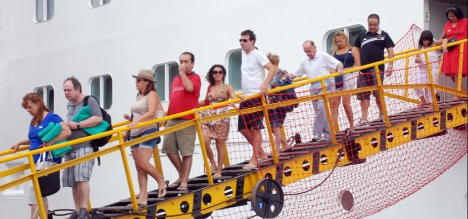 [Primeiro navio chega à Salvador nesta quarta e abre temporada de cruzeiros na Bahia]