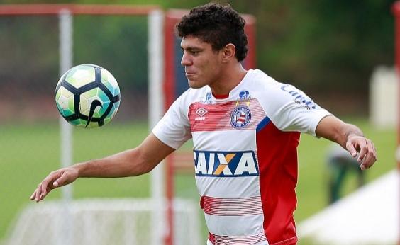 Carpegiani convoca Edson e Yuri para partida contra o Santos
