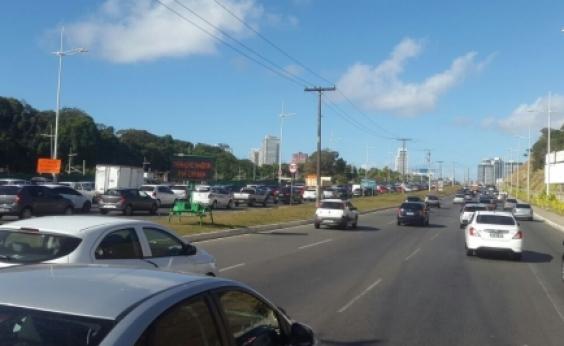 Cidade Baixa e Av. Paralela têm tráfego lento nesta sexta; confira trânsito