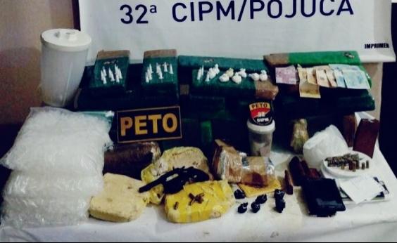 Ação apreende 5 kg de cocaína, 50 kg de maconha e arma em Pojuca