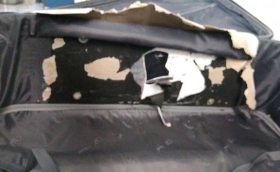 Mulher é presa com cocaína em fundo falso de mala ao tentar embarcar para Lisboa