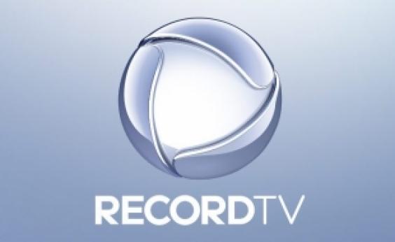 Carro de reportagem da RecordTV perde o freio e bate em outros três veículos