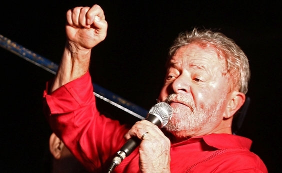 Lula promete consultar povo sobre reformas, se eleito, e chama Temer de exterminador: Ele destrói