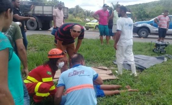Acidente entre carro e carreta deixa uma pessoa morta e cinco feridas no sul da Bahia