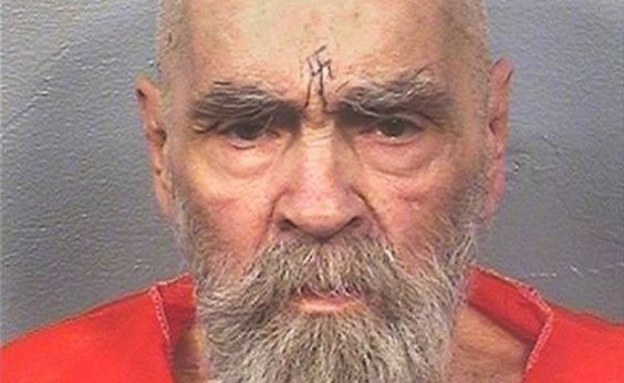Morre Charles Manson aos 83 anos nos Estados Unidos