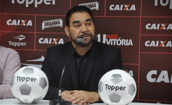 Ivã de Almeida nega que vá renunciar à presidência do Vitória