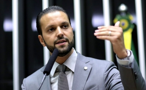 Podemos anuncia desfiliação de deputado cotado para Ministério das Cidades