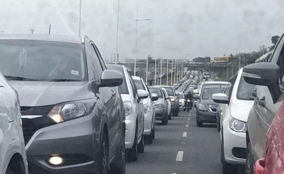 Av. Bonocô e Av. Paralela têm tráfego intenso nesta terça; confira