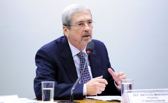 Indefinição do PMDB dá sobrevida a Imbassahy na Secretaria de Governo, diz coluna